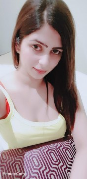 Heer Pakistani Escorts Girl